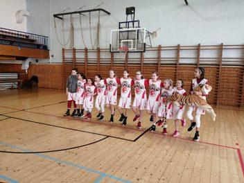 Děvčata U12 vezou výhru z Havířova